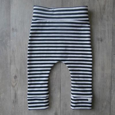 Picture of zwart/wit gestreepte legging maat 62