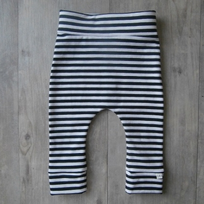 Picture of zwart/wit legging maat 62